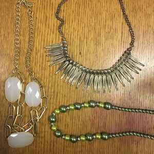 Jewelry - Gold and Green Necklace Set (3 piece)